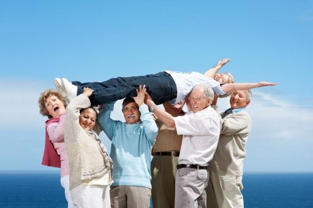 Seniors_group-travel