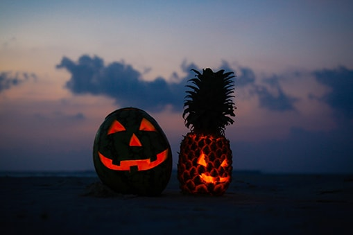 CCL_halloween-fruit-lanterns-beach
